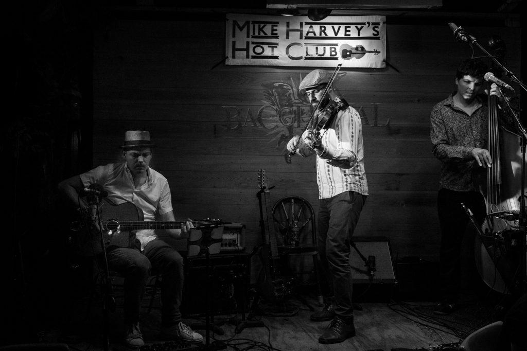 Mike Harvey's Hot Club - photo by Julie Verlinden